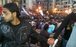Egypt, Christians protecting Muslims